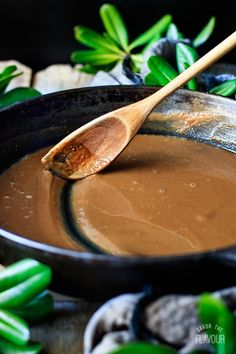 How to Make Roux for Gumbo: an easy recipe to help you achieve an authentic gumbo. Now you can recreate this Deep South comfort food by using this traditional roux recipe. It's simple and perfect for your next special meal. | www.savortheflavour.com #roux #creole #gumbo #louisiana #neworleans