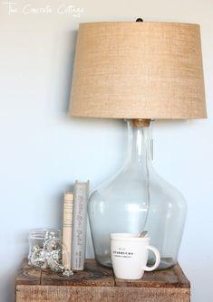 Lámparas diseñadas con botellas de cristal.