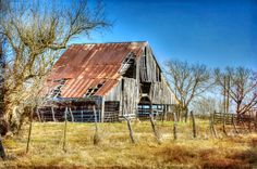 Old barn in Royse City, Texas.passed it several times, looks like one of ours in East TX.
