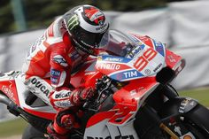 Jorge Lorenzo, Ducati, Brno MotoGP 2017 free practice action ... new fairing with internal down force 'wings'