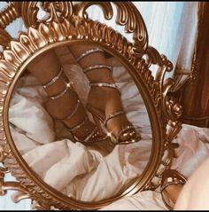 Living the Fancy Dream Boujee Aesthetic, Angel Aesthetic, Bad Girl Aesthetic, Aesthetic Vintage, Aesthetic Photo, Aesthetic Pictures, Vintage Wallpaper, Foto Fashion, Fashion Pics