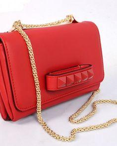 http://www.ahandbag.se/purse/handbags/valentino-va-va-voom-red/