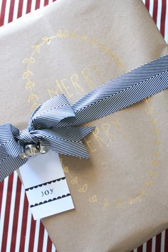 DIY kraft paper and gold leaf pen wrapping