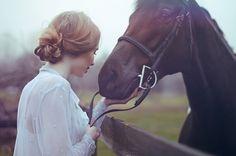 Девушка и лошадь ... Taylor Thompson