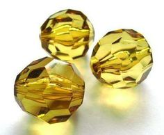 Topaz faceted 28 x 28mm beads. These beads are perfect for creating larger brightly coloured necklaces #beads #acrylicbeads