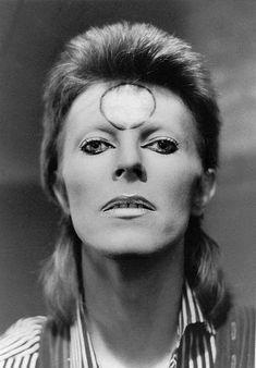 vezzipuss.tumblr.com — David Bowie, Circa 73 ⚡️
