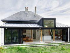 Extension en rez-de-jardin par NS Archi - France