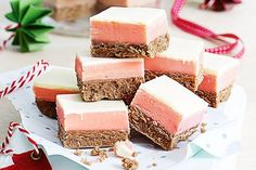 Neapolitan fudge recipe- This multi-colour fudge will delight young and old! Sweetened Condensed Milk Fudge, Sweet Condensed Milk, Condensed Milk Recipes, Chocolate Slice, Chocolate Topping, Easy Caramel Slice, Christmas Desserts, Christmas Recipes, Christmas Brunch