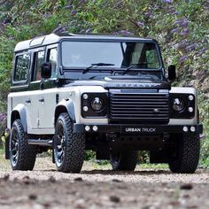 Land rover Defender 110 Custom colour changes to a fantastic standard. Land Rover Defender 110, Defender 90, Landrover Defender, Carros Off Road, Tt Car, Land Rovers, Land Rover Models, Mercedes Benz Unimog, Celebrity Cars