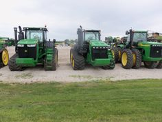 John Deere tractors right show the JD stylng since Series went from Series & from 2011 to the present Jd Tractors, John Deere Tractors, John Deere Equipment, Four Wheel Drive, Vehicles, Car, Vehicle, Tools