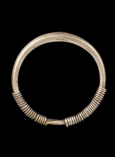 Laos | Silver bracelet from the Hmong people. Second half of the 20th century | © Musée du quai Branly