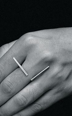 THELMA AVIANI | SQUARE LINE RING