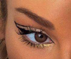 eyeliner aesthetic makeup, aesthetic, and lashes image Kiss Makeup, Cute Makeup, Pretty Makeup, Makeup Art, Hair Makeup, Fair Skin Makeup, Makeup Eyebrows, Cheap Makeup, Makeup Goals