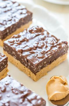 Chocolate+Peanut+Butter+Fudge+Bars+-+Can't+decide+if+you+want+PB+or+chocolate?+Make+these+easy+no-bake+bars!+Chocolate+++PB+is+sooo+irresistible!!