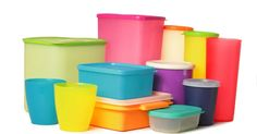 Should You Toss Your Tupperware – Or These 11 Other Common Kitchen Items? Kitchen Items, Kitchen Hacks, Kitchen Tools, Kitchen Stuff, Plastic Containers, Plastic Bottles, Plastic Ware, Kari Ayam, Grill Brush
