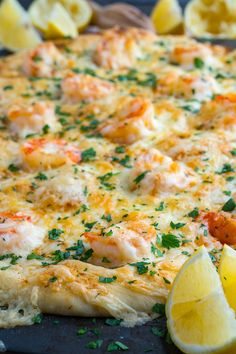 Garnelen-Scampi-Pizza - seafood recipes for dinner Shrimp Scampi Pizza Recipe, Shrimp Pizza, Seafood Pizza, Scampi Recipe, Seafood Quiche, Seafood Dinner, Pizza Recipes, Fish Recipes, Seafood Recipes