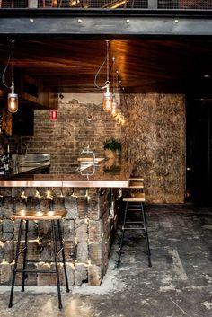 Une nouvelle fois je vous emmène en Australie , à Sydney pour faire découvrir le Donny's Bar . Un bar ressemblant à un loft new-yorkais av...
