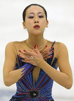 フィギュアスケートGPシリーズ開幕戦スケートアメリカで優勝した浅田の女子フリー演技=米国ミシガン州デトロイトのジョー・ルイス・アリーナで2013年10月20日 (364×500) http://mainichi.jp/feature/news/20131020org00m050002000c.html