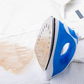 This is a guide about removing iron burn marks on clothing. A too hot iron can leave scorch marks on clothing. Deep Cleaning Tips, House Cleaning Tips, Cleaning Hacks, Cleaning Recipes, Remove Stains From Mattress, Mattress Cleaning, Stain On Clothes, How To Iron Clothes, Cleaning