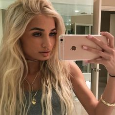 I love Pia Mia's make up it looks so smooth and the colours really go well together