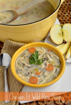 Gluten-free Chicken & Wild Rice Soup is thick and creamy, but has no cream at all. A lighter but just as decadent-tasting take on the classic! Fall Soup Recipes, Crockpot Recipes, Chicken Recipes, Cooking Recipes, Healthy Recipes, Copycat Recipes, Recipe Chicken, Cooking Tips, Chicken Wild Rice Soup
