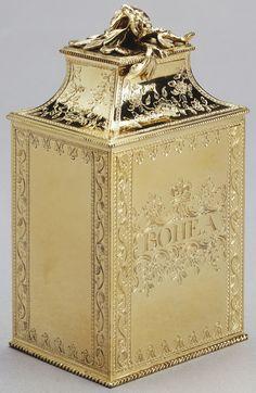 Pair of tea caddies, 1768, John Langford II and John Sebille (active 1763-70) (goldsmith) | Royal Collection Trust