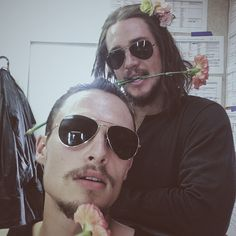 """Team Uthred wishes you a lovely Friday"" Arnas Fedaravičius (front) and Alexander Dreymon‏ From https://twitter.com/ArnasFederman/status/748804583112138752"