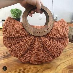 Wood is beautiful in every season separately 🦋🍃. Our favorite model is September colors . Bead Crochet Patterns, Crochet Designs, Crochet Handbags, Crochet Purses, Handmade Handbags, Handmade Bags, Diy Crafts Crochet, Crochet Ideas, Love Crochet