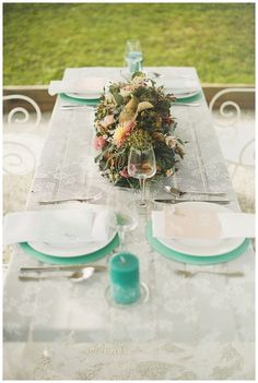 Two brides, mint, peach, white, decoration, flowers - Hellbunt Events