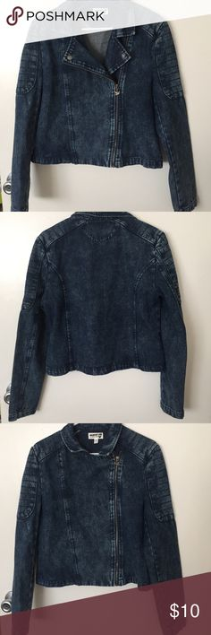 Dream Out Loud by Selena Gomez (used) Blue Jean Jacket by Selena Gomez. Like new. May be zipped up two ways (see pics). It runs small, fits more like a Large. Dream Out Loud by Selena Gomez Jackets & Coats Jean Jackets