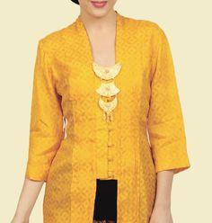 Love this yellow Pola Kebaya Kutubaru, Kebaya Brokat, Kebaya Dress, Kebaya Hijab, Batik Kebaya, Batik Dress, Traditional Fashion, Traditional Outfits, Kebaya Kutu Baru Modern