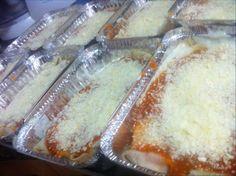 LASAGNA LASAGNA LASAGNA!! A esta hora entrando Lasagnas al horno para nuestros queridos amigos de @elbandonmusic!! Haz tu pedido para tus eventos, almuerzos de trabajo, o reuniones con familiares y amigos! #TienesQueProbarlo -- #catering #caracas #igersvenezuela #lobuenodevenezuela #venezuelaes #food #foodporn #instafood #yummy #instagood #cocinerosvenezolanos #foodgasm #forevergorditos #hechoenvenezuela #comidavenezolana #ccs #foodvenezuela