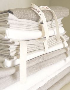 REMOVE STAINS FROM WHITE TABLE LINEN