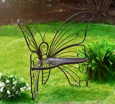 Butterfly Garden Bench Is Absolutely Stunning! This Butterfly Garden Bench will look great in a favourite space at your place. It's a very good price point too. Metal Patio Furniture, Wrought Iron Patio Chairs, Iron Furniture, Metal Chairs, Metal Sofa, Fairy Furniture, Wrought Iron Decor, Butterfly Chair, Butterfly Design