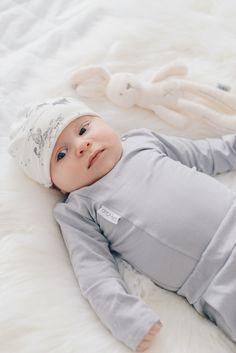 Body & Pants, Gugguu @monasdailystyle    http://www.monasdailystyle.com/2017/11/04/isyysloman-merkitys-vauvan-ja-isan-valiseen-suhteeseen/