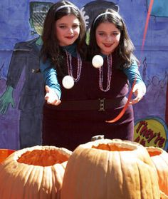 Halloween Craft/Game: Pumpkin Patch Toss.  I would do with FAKE pumpkins.  Great idea for ST.