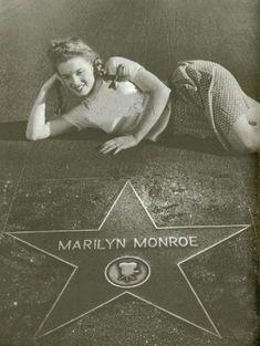Norma Jeane (Baker) Mortenson (MM) Marilyn Monroe (Hollywood Walk of Fame Star). Hollywood Walk Of Fame, Hollywood Stars, Classic Hollywood, Old Hollywood, Arte Marilyn Monroe, Le Divorce, Cinema Tv, Actrices Hollywood, Norma Jeane