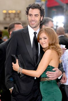Isla Fisher says marriage with Sacha Baron Cohen is like 'winning the lottery' Sacha Baron Cohen, Isla Fisher Husband, Sport Tv, Beautiful Men, Beautiful People, Famous Couples, Celebrity Couples, Celebrity Style, Height And Weight