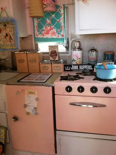 retro kitchen I think I have some pic's of this one, but maybe its another one, as these colors were big then - pink, turquoise, red.