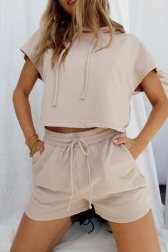 Cute Lazy Outfits, Trendy Summer Outfits, Sporty Outfits, Mode Outfits, Classy Outfits, Fashion Outfits, Shorts Outfits Women, Teen Shorts, Looks Adidas