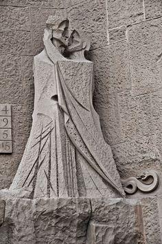 Sagrada Família. [EN] Passion Façade. [CA] Façana de la Passió. [ES] Fachada de la Pasión.