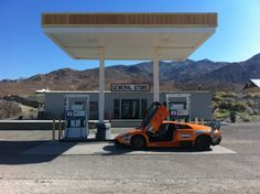 Fuelstop in the desert Gumball 3000, Death Valley, Route 66, Niagara Falls, St Louis, Rally, Kansas City, New York City, Grand Canyon