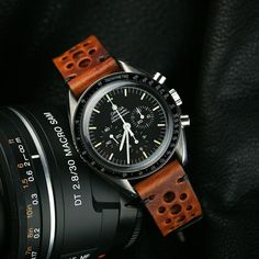 #SpeedyTuesday with the Cognac Vintage Racing Strap!!!