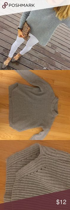 Grey mock turtleneck sweater Product details Plain Grey Casual Acrylic Pullovers Loose Turtleneck Long Sleeve Fall Spring Winter Sweaters, size features are:Shoulder: 60cm,Bust: 128cm,Length: 50/60cm,Sleeve Length: 42cm, Shein Sweaters Cowl & Turtlenecks