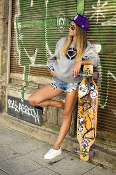 Longboarding and Urban Lifestyle by Vladimir Balkanov / Look Skater, Skate Girl, Skater Girl Outfits, Skate Style, Skateboard Girl, Shooting Photo, Longboarding, Surf Girls, Skateboards