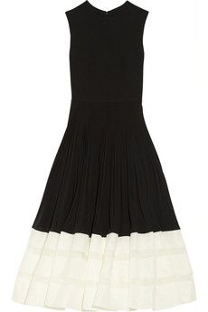 Alexander McQueen Pleated crepe-jersey and organza dress | NET-A-PORTER