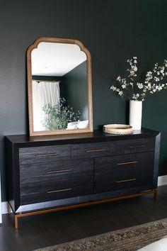 Dark Wood Dresser Decor Guest Rooms 33 Ideas For 2019 Dark Wood Dresser, Decor, Wood Dresser Decor, Bedroom Interior, Wood Bedroom, Dark Wood Bedroom, Dark Green Rooms, Dresser Decor, Home Decor