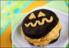 Mr. Puffy Pumpkinhead Freezy-Cool Whoopie Pie looks super easy & yummy (LOW CALORIES!!!)