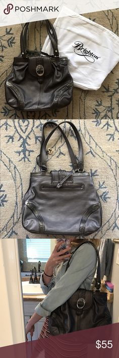 Brighton Purse! Never worn Brighton purse!! Perfect size for everyday with three inside compartments for organizing. Brighton Bags Shoulder Bags