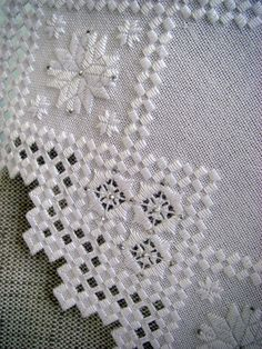 Hardanger Embroidery, Learn Embroidery, Ribbon Embroidery, Embroidery Designs, Drawn Thread, Bargello, Cool Patterns, Cross Stitch, Quilts